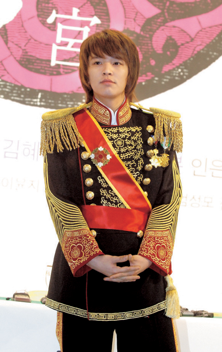 304238 image2 1 - Kim Jeong Hoon (D��lerimin prensi)